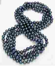 AN ENDLESS NECKLACE OF BLACK FRESHWATER PEARLS