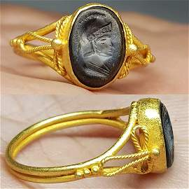 Roman 22k Gold Ring With Intaglio Agate Stone