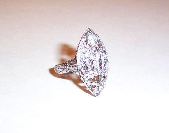 7: LADY'S PLATINUM AND DIAMOND RING