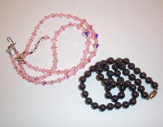 22: HEMOTITE NECKLACE TOGETHER WITH PINK CRYS