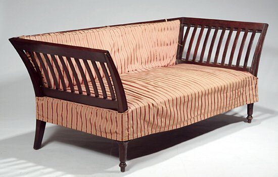 504: A MAHOGANY AND UPHOLSTERED SETTEE c. 190