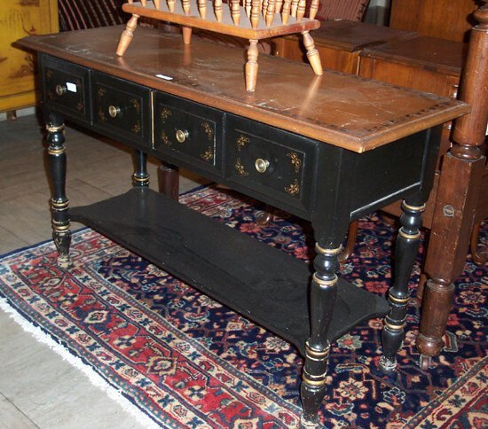 515: REPRODUCTION STENCIL DECORATED AND BLACK