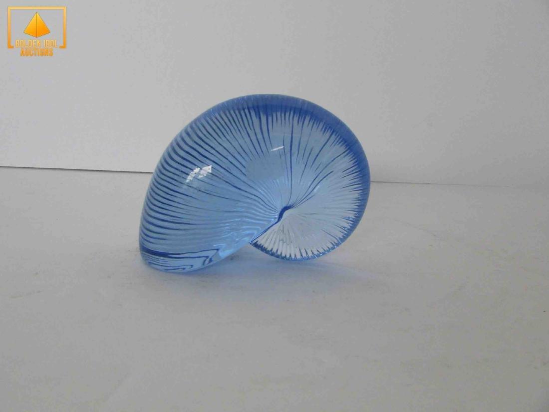 Blue baccarat snail