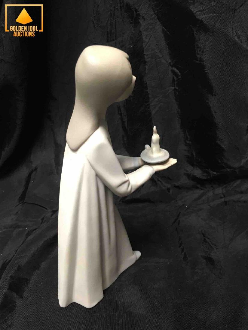 Lladro girl figurine in pajamas with a candle. - 3