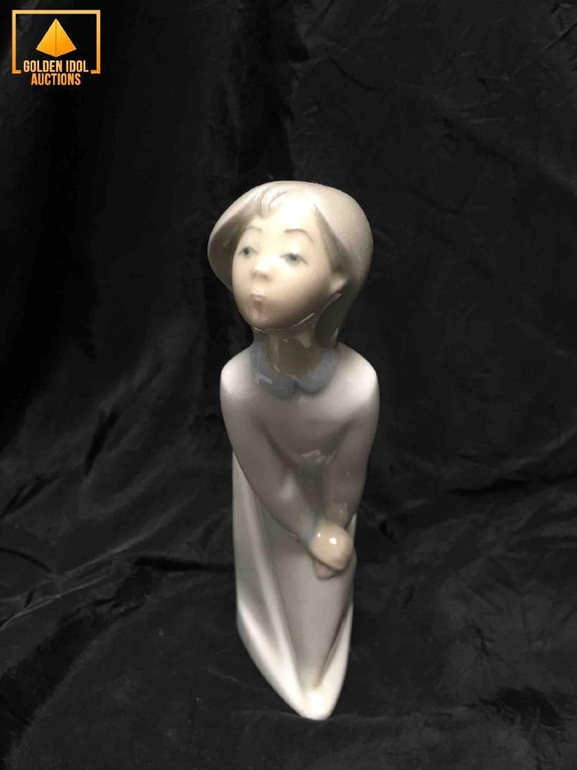 Lladro Porcelain figurine - Girl Kissing - 2