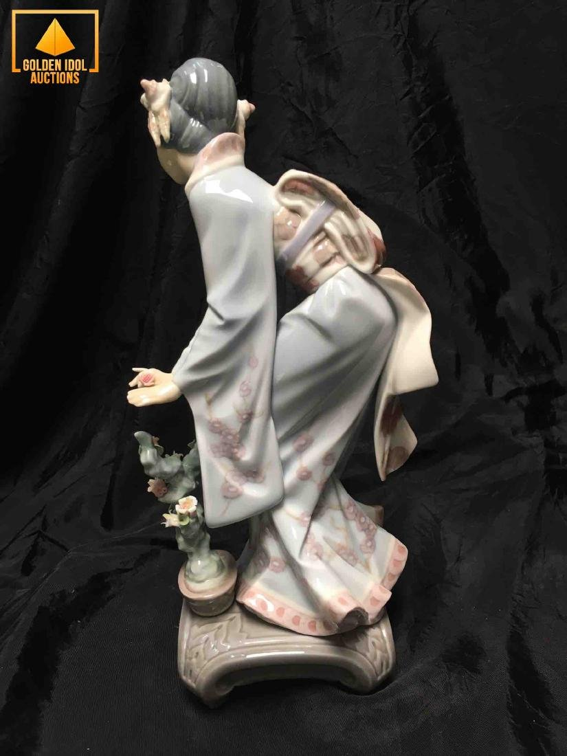 Lladro Porcelain Figurine Mayumi - 3