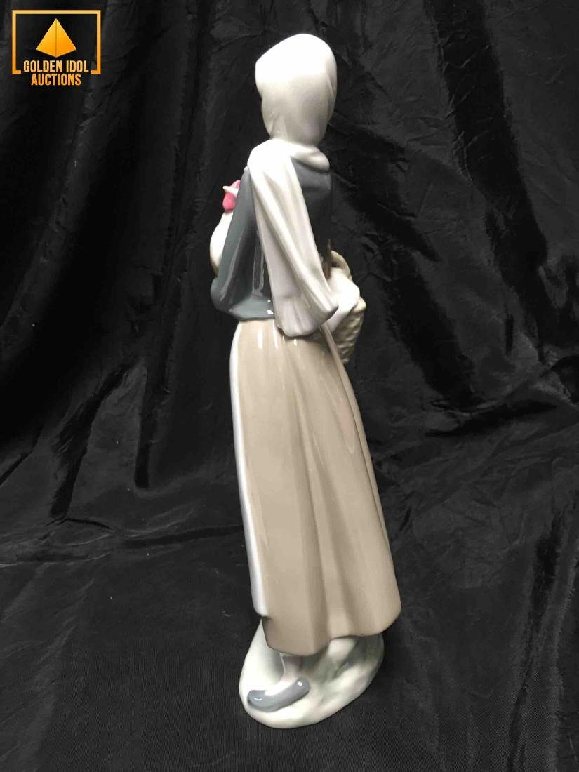 Lladro Porcelain Figurine - Girl holding a cockerel - 3