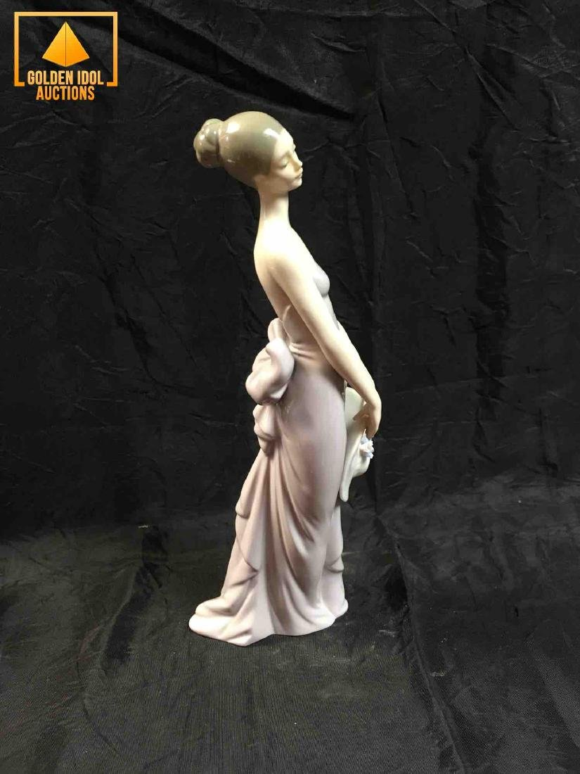 Lladro Firugine #5598 Bridesmaid - 4