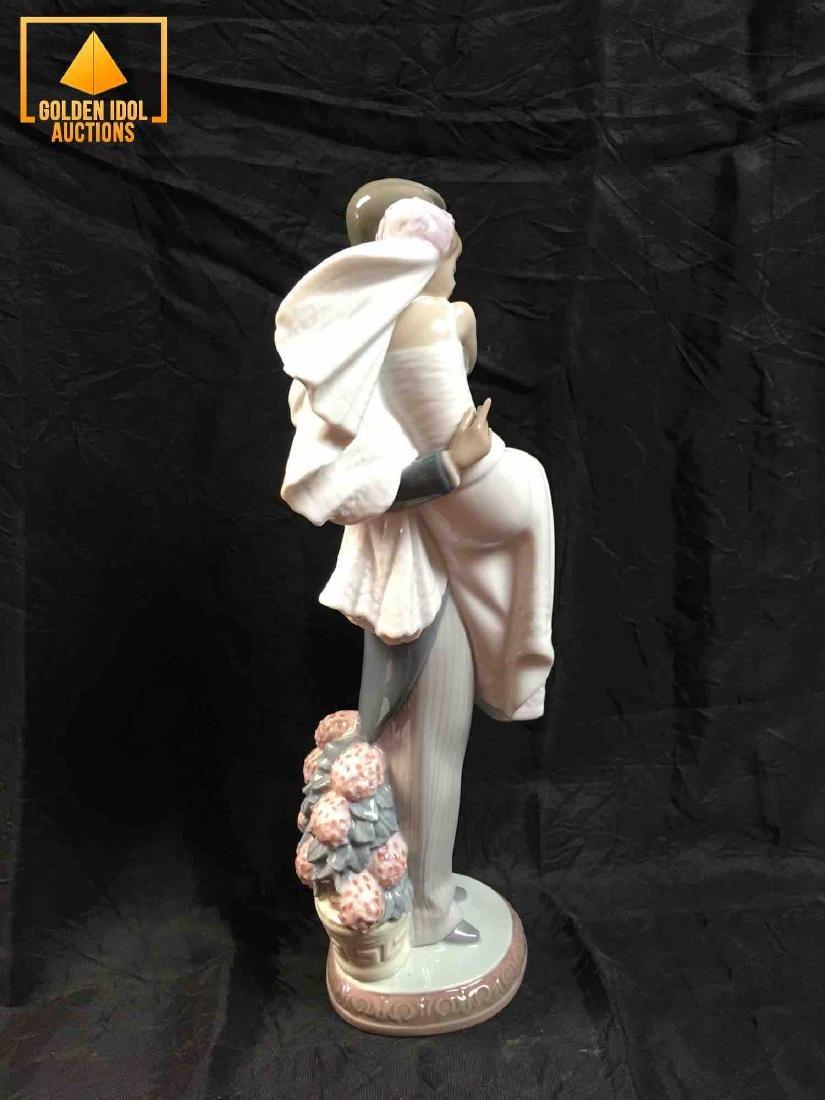 Lladro Figurine - Over the Threshold #5282 - 2
