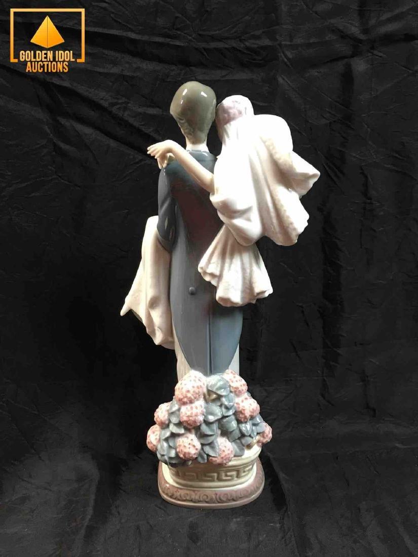 Lladro Figurine - Over the Threshold #5282 - 3