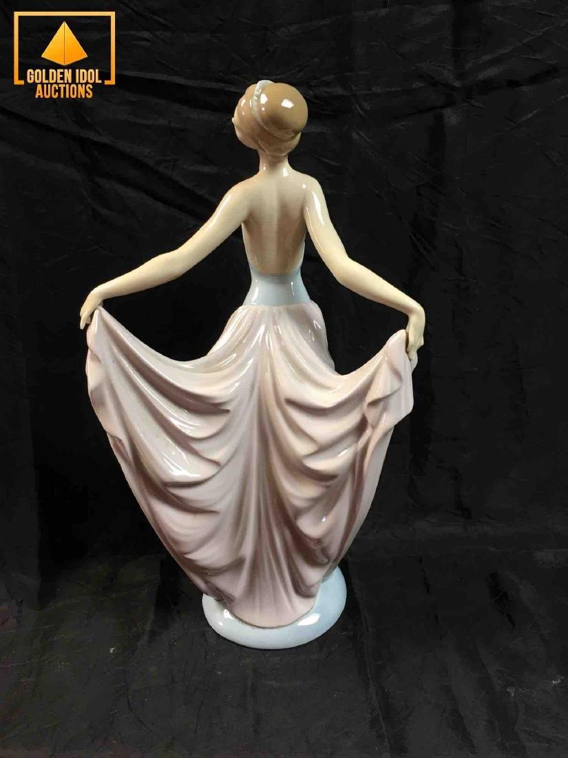 Lladro Dancer ballet figurine #5050 - 3