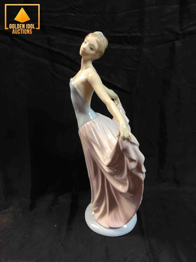 Lladro Dancer ballet figurine #5050 - 4