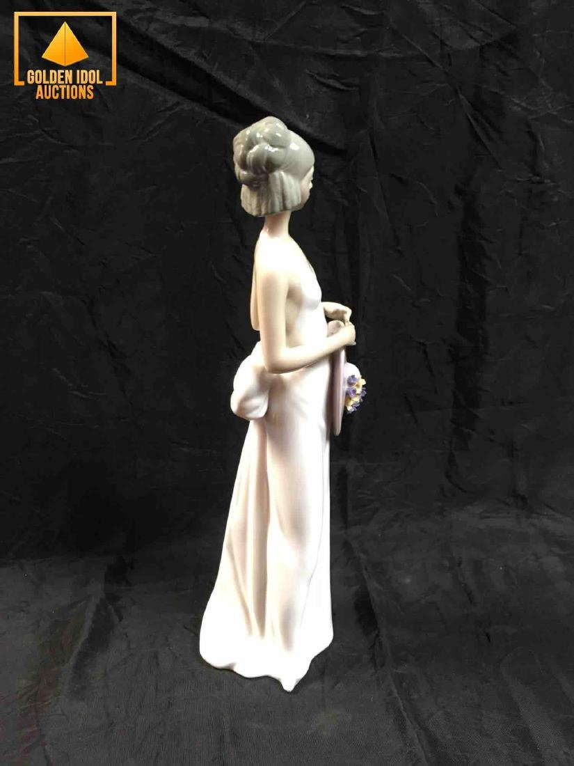 Lladro Figurine Summer Soiree, Girl in white dress with - 2
