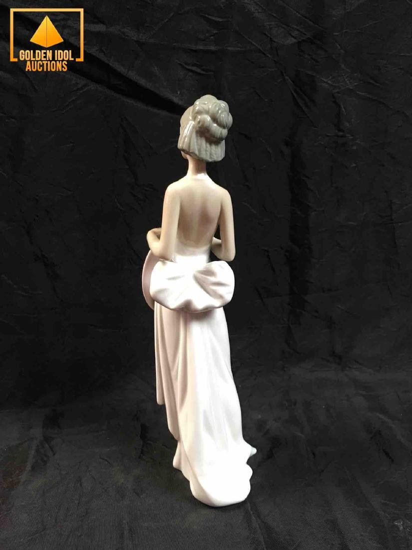 Lladro Figurine Summer Soiree, Girl in white dress with - 3
