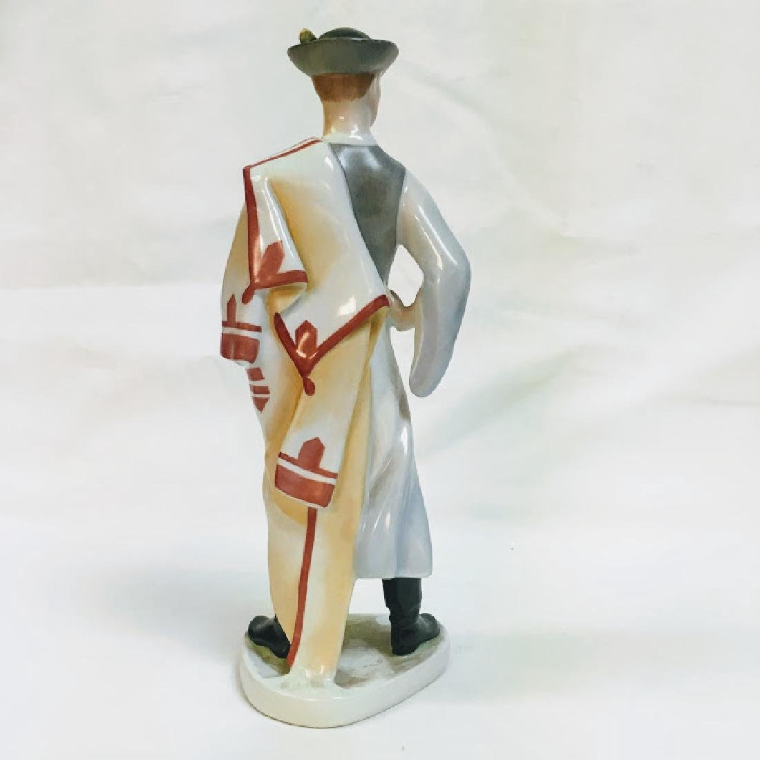 Kezifestes Budapest man in traditional costume figurine - 3