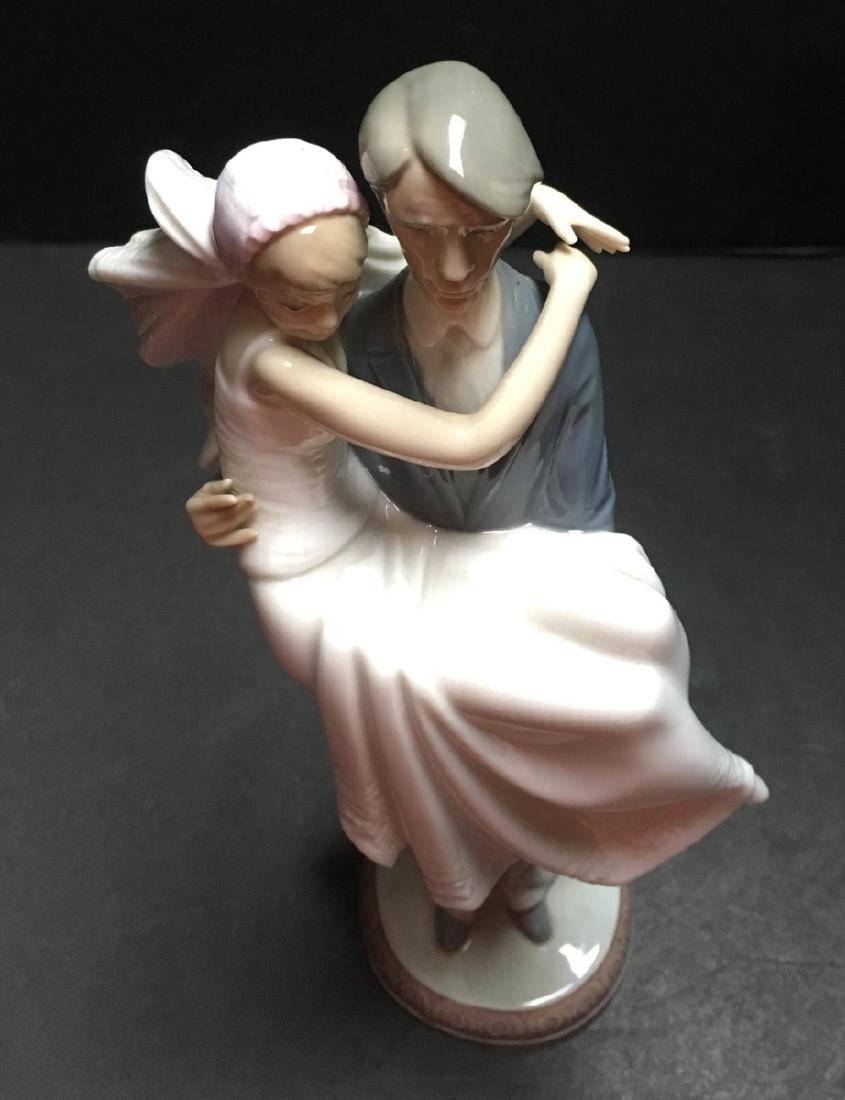 Lladro Figurine - Over the Threshold #5282 - 6