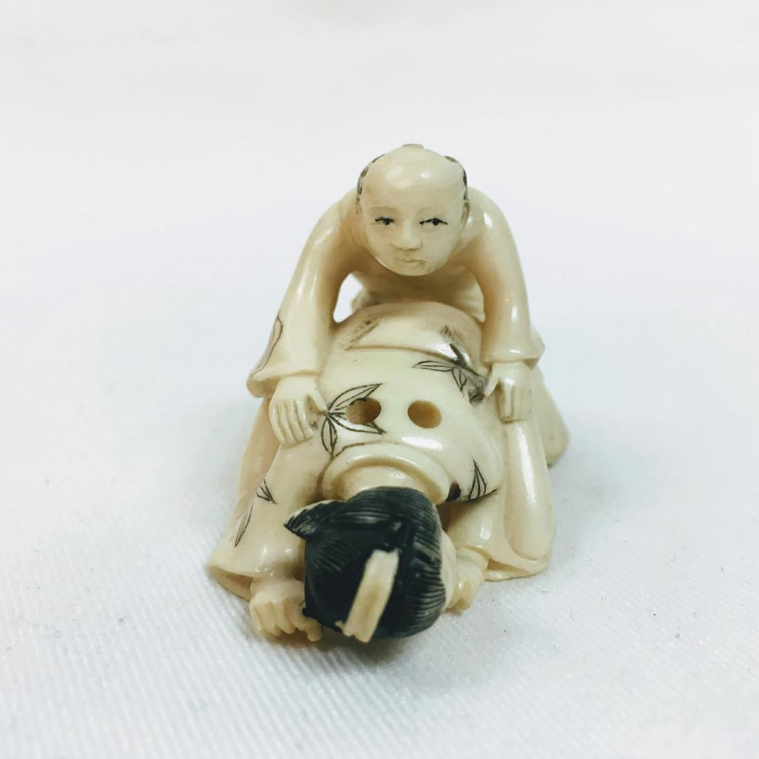 19th Century Erotic Netsuke figure - 2