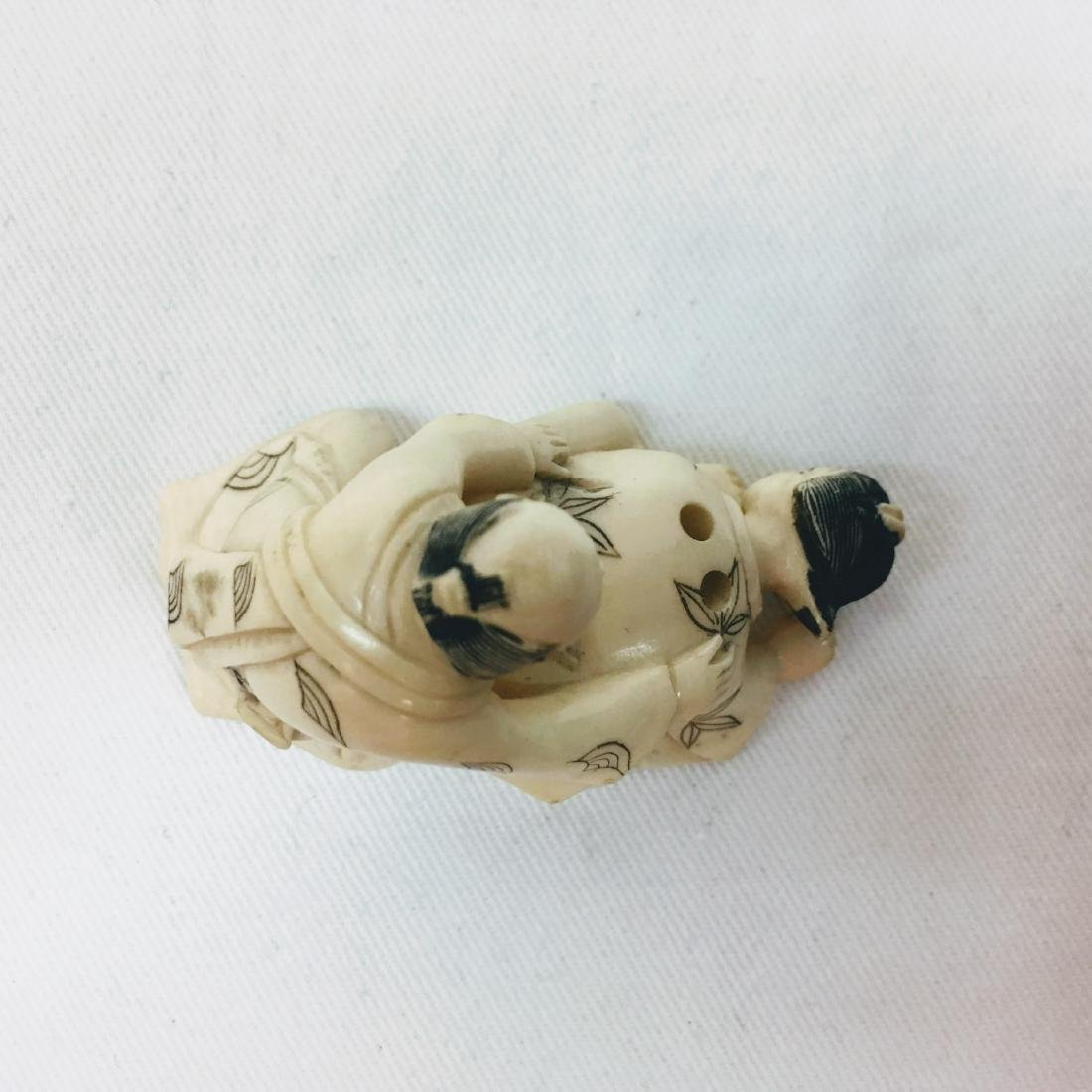 19th Century Erotic Netsuke figure - 5