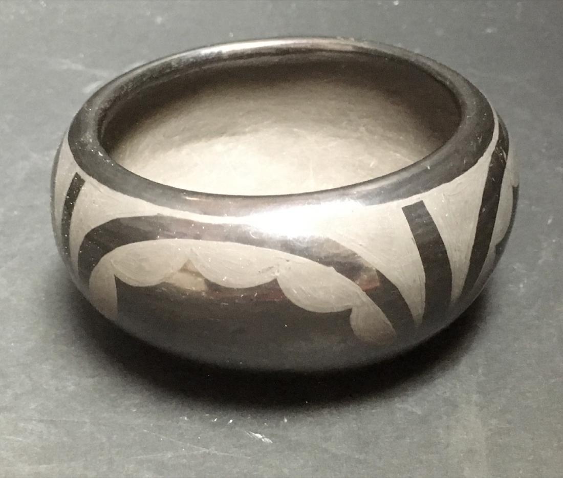 Native American SANTA CLARA Pueblo Blackware Pottery