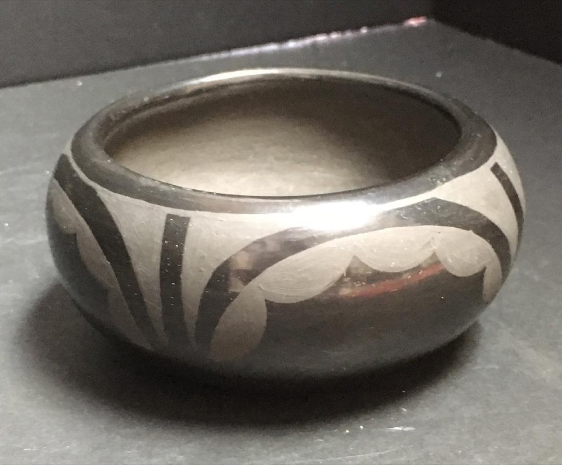 Native American SANTA CLARA Pueblo Blackware Pottery - 2