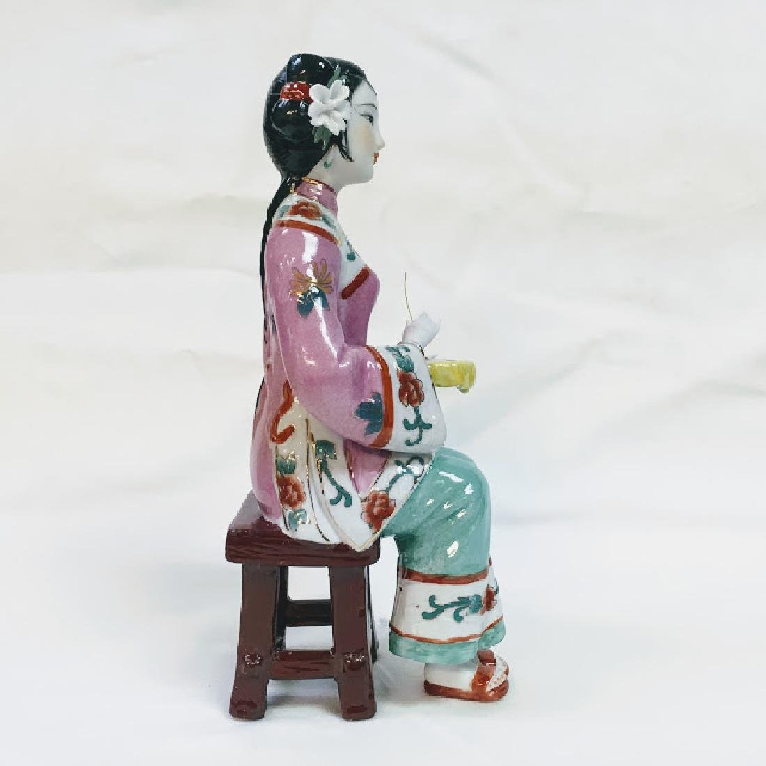Vintage porcelain Chinese embroidering geisha figurine - 4