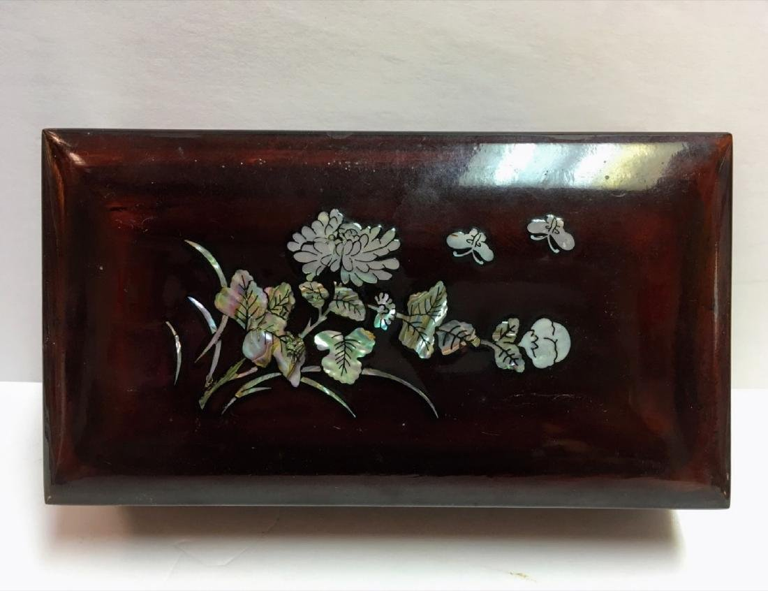 Vintage Mother of pearl, lacquered wood covered box - 6