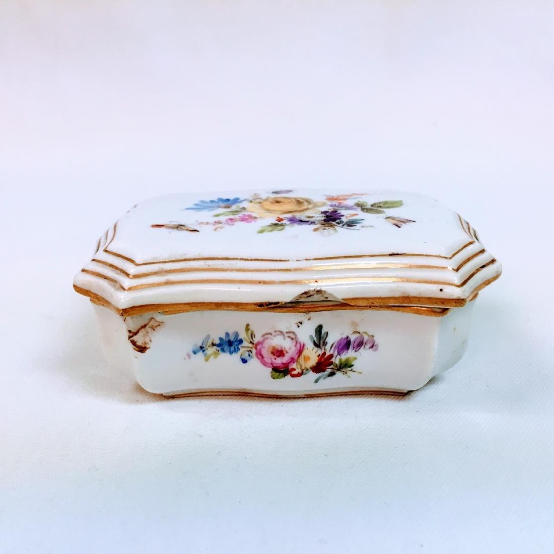 Vintage porcelain meissen hand painted trinket box