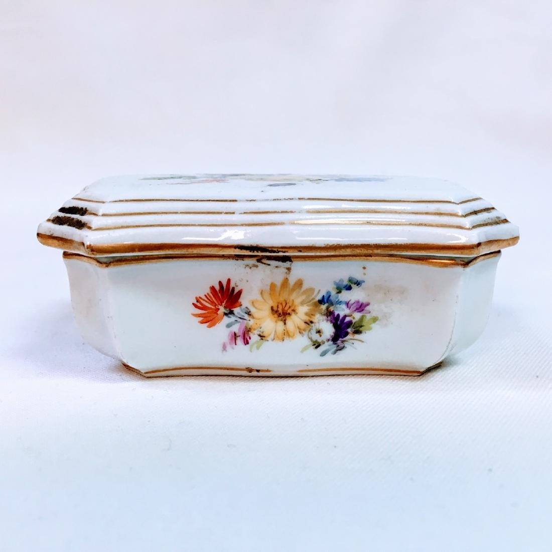 Vintage porcelain meissen hand painted trinket box - 4
