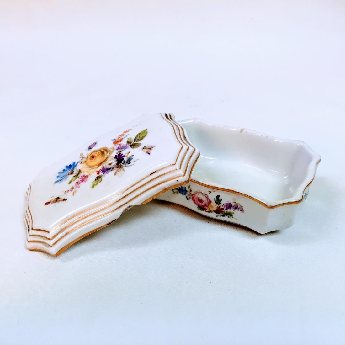 Vintage porcelain meissen hand painted trinket box - 6