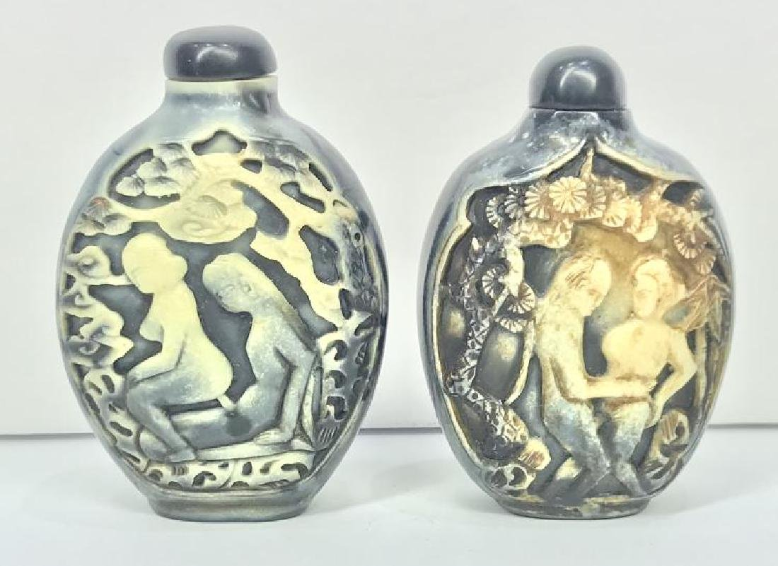 TWO ANTIQUE ETCHED RELIEF BONE EROTIC CHINESE SNUFF