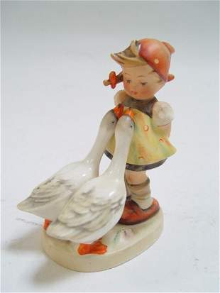 Hummel: goose & girl 47/0 Full Bee mark
