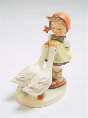 Hummel: goose & girl 47 3/0 Stylized Bee m