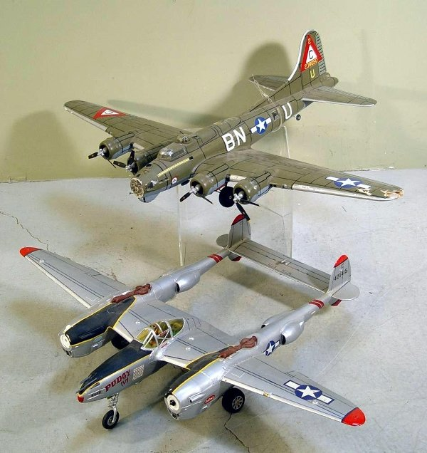19: Fighter Plane Model Grouping