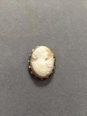 Vintage Gold Plated Cameo Brooch