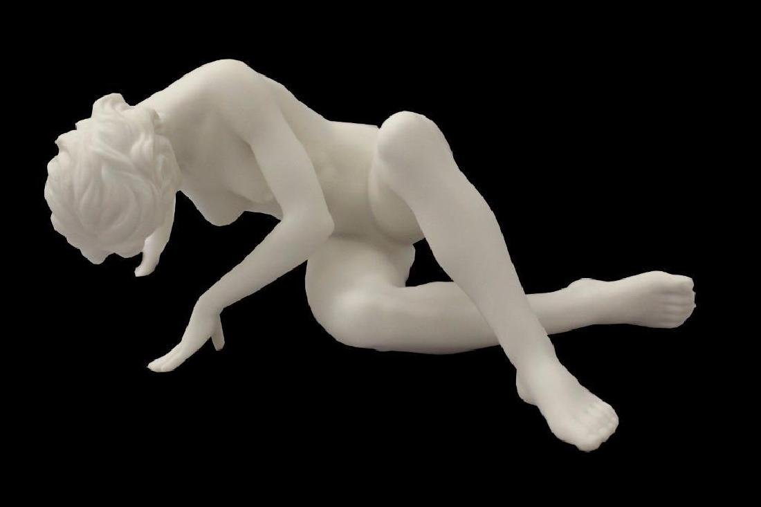 New Artistic Nude Female Statue Leaning On Hands &