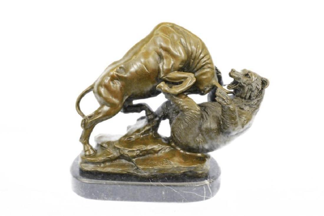 Hot Cast Stock Market Bull Vs Bear Bronze Sculpture
