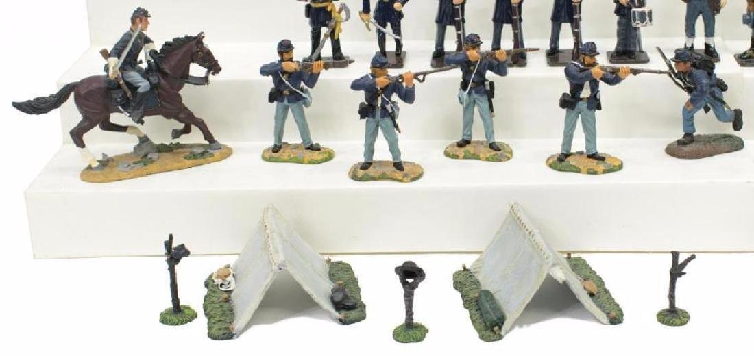 (40) U.s. Civil War Metal Miniature Soldiers - 6