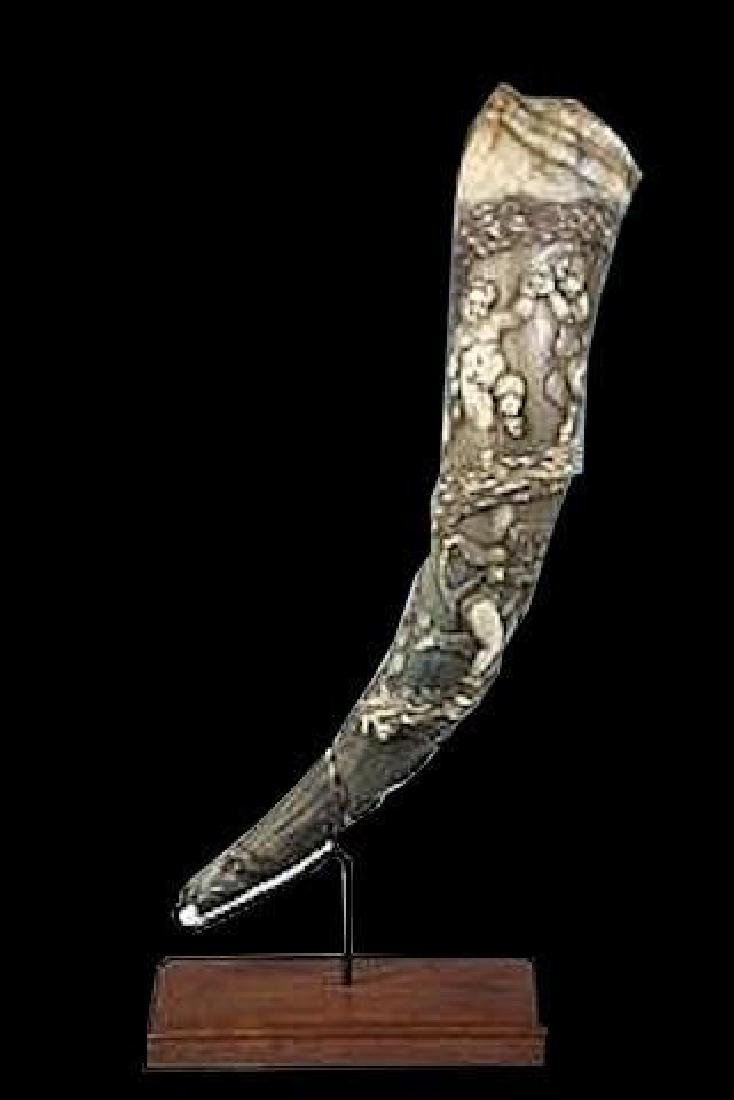 18thc Hand-carved European Hunting Ox Horn