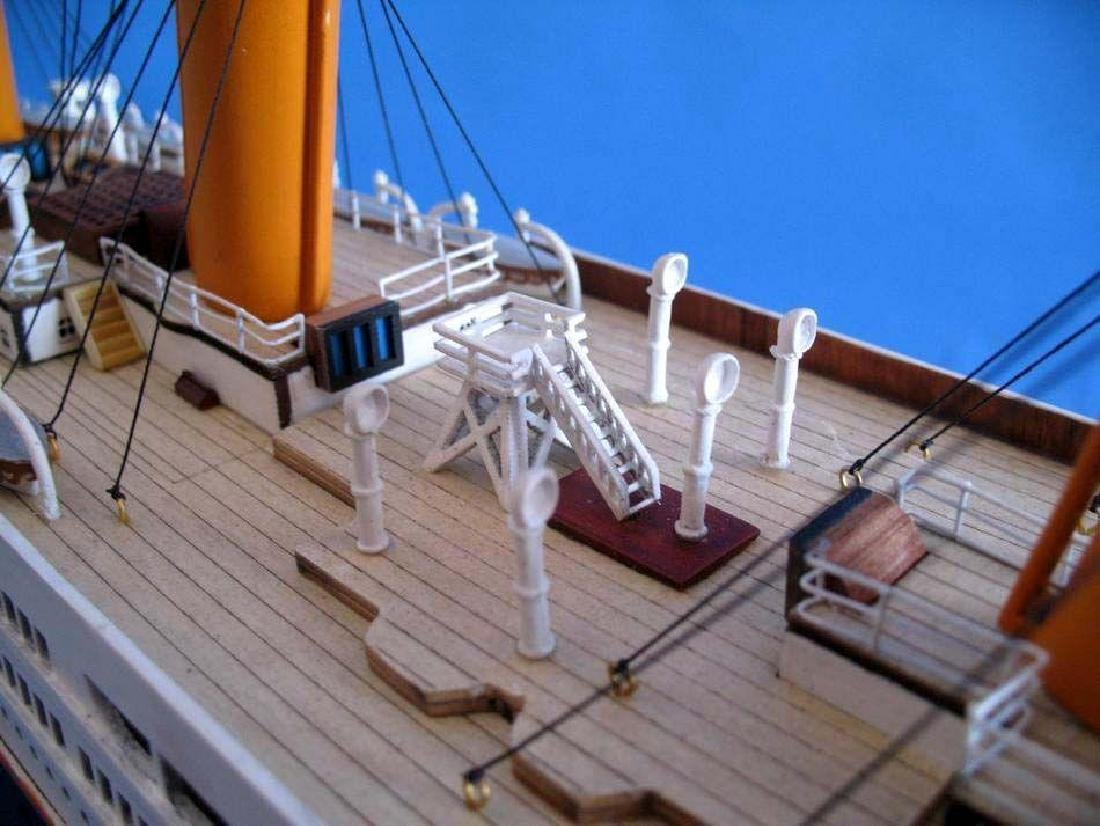 RMS Titanic Model Cruise Ship 40'' - 4