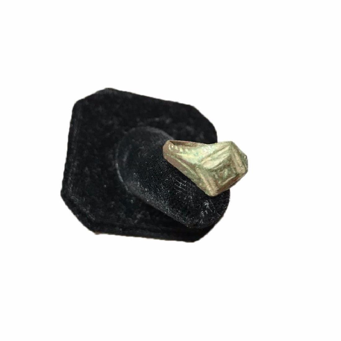 300-400 AD Ancient Roman Bronze Ring - 3
