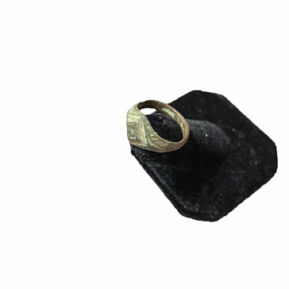 300-400 AD Ancient Roman Bronze Ring - 4
