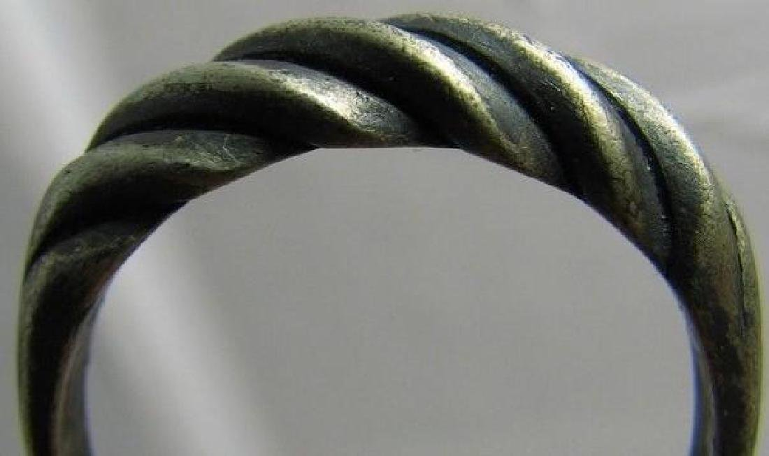 "Vintage ""Twisted"" Sterling Silver Ring - 4"
