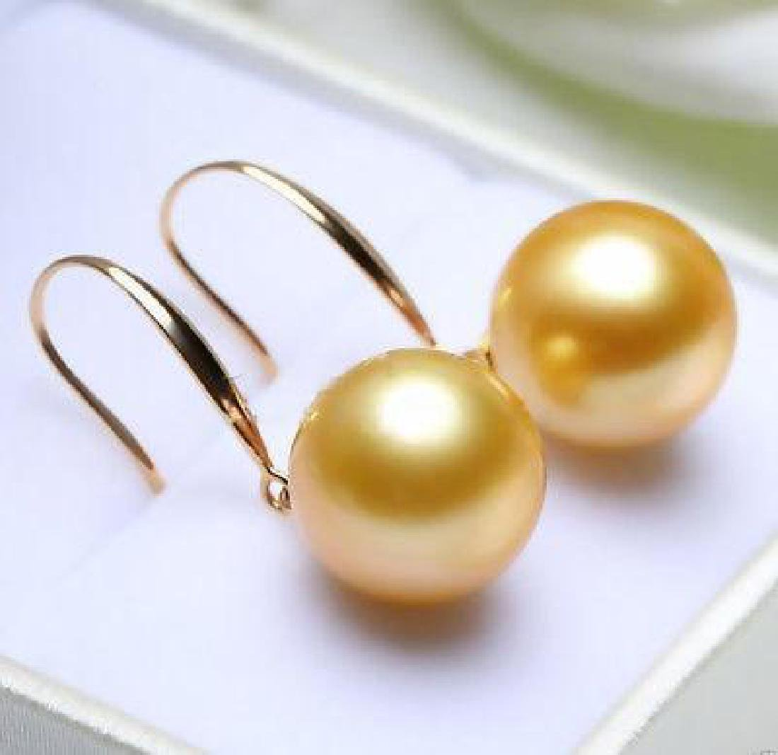 14mm Tahitian Golden South Sea Shell Pearl Dangle