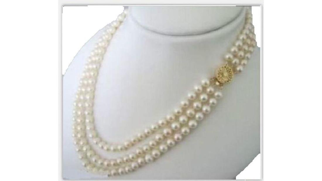 Triple Strands Strands South Sea White Pearl Necklace