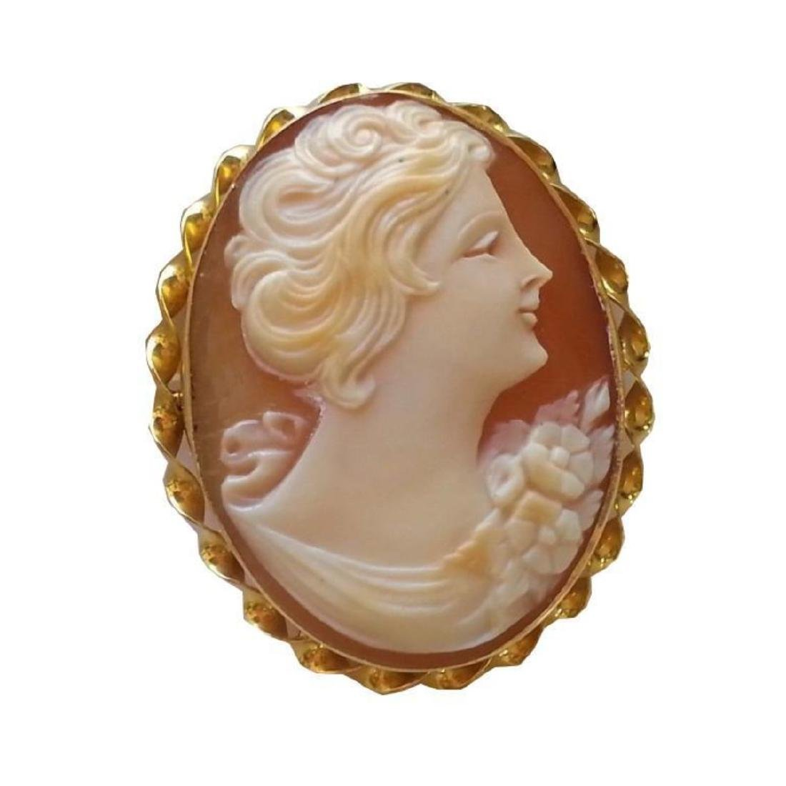 Vintage 10kt Yellow Gold Cameo Brooch