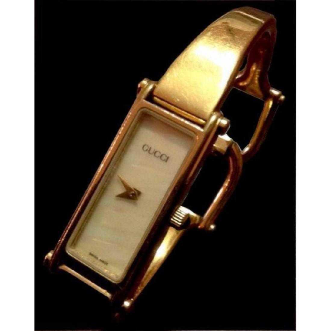 e6593cb8402 Authentic Gucci Ladies Gold Bracelet Wrist Watch