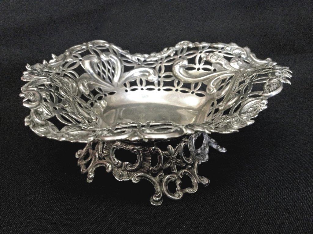 Late Victorian silver bon bon dish by Willia