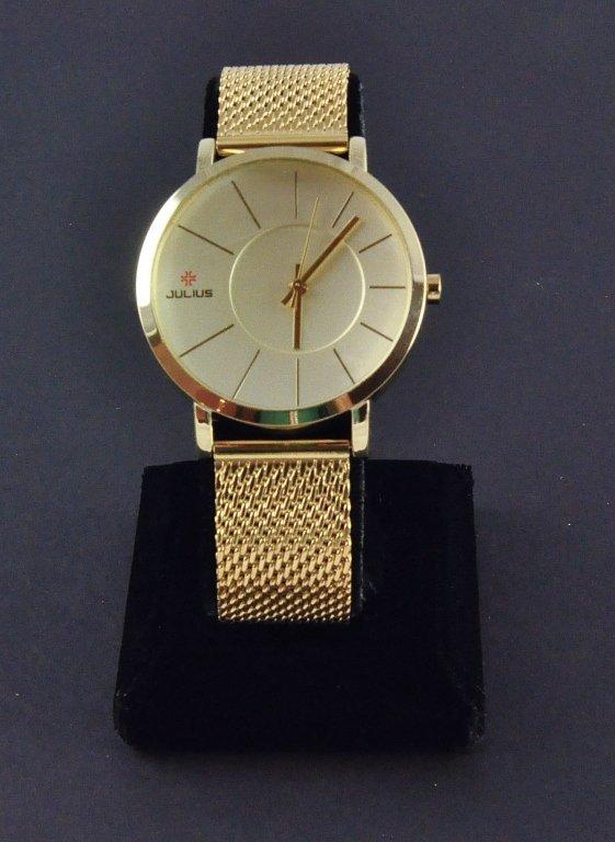 Men's Gold Colored Round Mesh Wrist Watch
