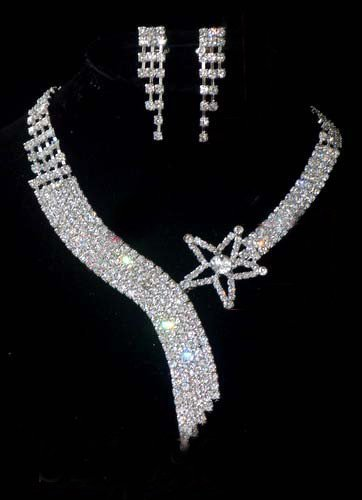 Gorgeous Crystal Necklace & Earring Set