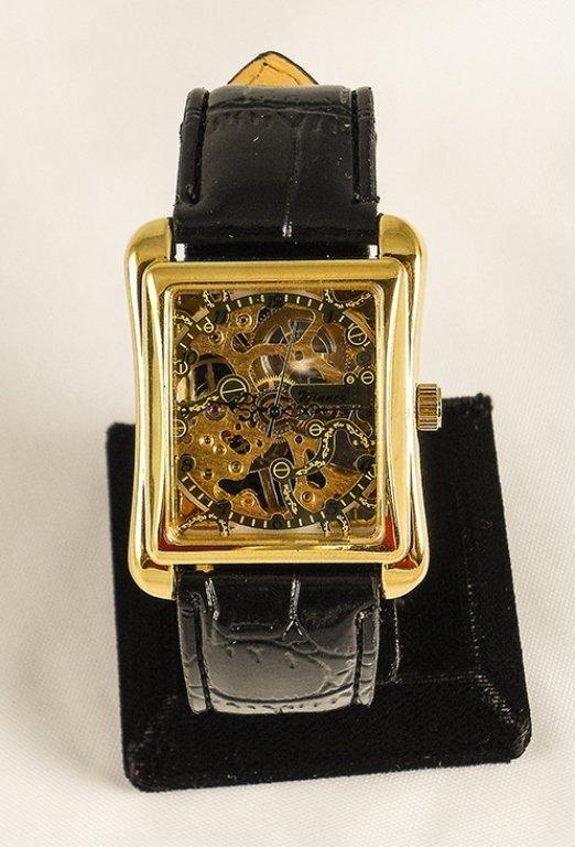 Golden Colored Men's Mechanical Watch